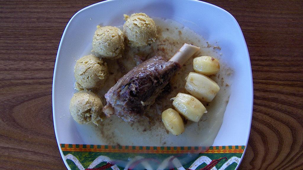 Stinchetto d'agnello e gnocchetti di polenta